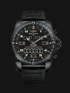 Dieser Chronograf birgt als ultimatives Fliegerinstrument in seinem Titangehäuse ein SuperQuartz™-Werk mit analoger und digitaler Anzeige. Versionen