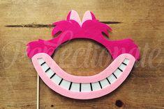Masque de chat du Cheshire a estimé | Chat du Cheshire Prop | Les accessoires Wonderland | Tea Party Prop | Alice au pays des merveilles-photomaton