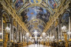 Palace of Versailles - Architecture and Urban Living - Modern and Historical Buildings - City Planning - Travel Photography Destinations - Amazing Beautiful Places Paris At Night, Montmartre Paris, Louis Xiv, Monuments, Jules Hardouin Mansart, Architecture Jobs, Culture Art, Hall Of Mirrors, Louvre