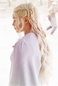 "Daenerys Targaryen ~ Game of Thrones // Game of Thrones ""The Dance of Dragons"" Game Of Thrones Tumblr, Game Of Thrones Facts, Emilia Clarke, Curled Hairstyles, Wedding Hairstyles, Game Of Throne Daenerys, My Champion, Hair Game, Mother Of Dragons"