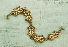 Linda's Crafty Inspirations: Bracelet of the Day: Tampa Variation - Cream & Gold