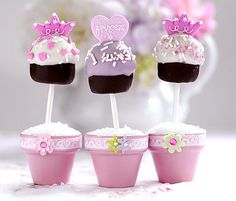 Princess in pots Cake Pops! Make the flowerpots out of cupcakes? Cute Cakes, Yummy Cakes, Mini Cakes, Cupcake Cakes, Rose Cupcake, Cupcake Ideas, Princess Cake Pops, Princess Party, Princess Flower