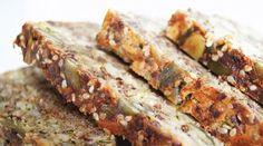 """""""Grønt"""" Lavkarbo-brød   Slankeklubben.dk Low Carb Backen, Lchf, Meatloaf, Squash, Banana Bread, Baking, Desserts, Recipes, Entertaining"""