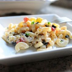 The Best Macaroni Salad Ever ---- from Pioneer Woman. Amazingly Delicious Looking! Best Macaroni Salad, Macaroni Pasta, Good Food, Yummy Food, Soup And Salad, Pasta Salad, Rice Pasta, Side Recipes, Pasta Dishes