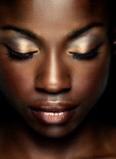 Eye makeup for African American