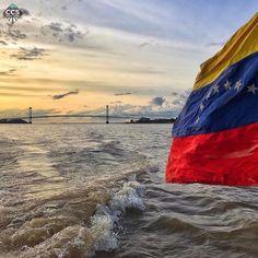 Te presentamos la selección especial: <<VENEZUELA>> en Caracas Entre Calles. ============================  F O T Ó G R A F O  >> @dianitaoronoz << Visita su galeria ============================ SELECCIÓN @luisrhostos TAG #CCS_EntreCalles ================ Team: @ginamoca @luisrhostos @mahenriquezm @teresitacc @floriannabd ================ #Venezuela #Instavenezuela #Gf_Venezuela #GaleriaVzla #Ig_Venezuela #Great_Captures_Vzla #InstaloVenezuela #Instapro_Ve #Loves_Venezuela #IgersVenezuela…