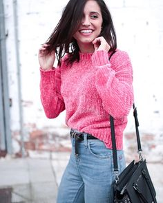 Julia, Youtubers, Turtle Neck, Women's Fashion, Sweaters, Instagram, Feminine Fashion, Celebrity, Women