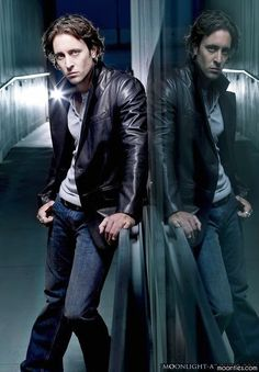 Moonlight Alex | Moonlight and Alex O'Loughlin as Mick St John ~ I SO miss this show. Nothing like it before or since.