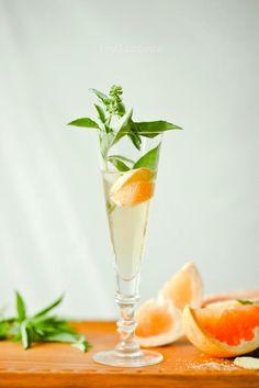 ETC INSPIRATION  BLOG ART DESIGN INTERIOR PRINTS FOOD BLOG RECIPE DRINK GINGER BASIL GRAPEFRUIT SPRITZER VIA JOYLICIOUS