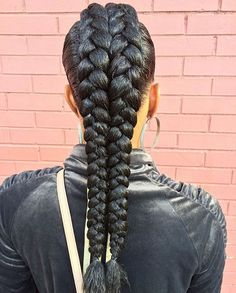 STYLIST FEATURE| A different take on #cornrows styled by #BaltimoreStylist @kiakhameleon, giving the illusion of a #ponytail Love it❤️ #voiceofhair