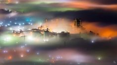 【これが埼玉…!】あまりにも幻想的な「秩父の雲海」が撮影されました+/+霧の中に町が浮かび上がってまるでファンタジーの世界みたい!