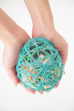yarn Easter egg treat holder
