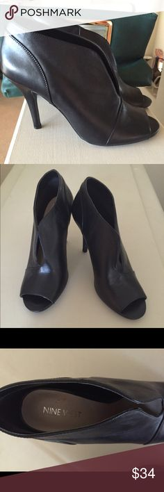 """NWOT! """"NINE WEST"""" BLACK PEEP HOLE BOOTIES👡👡👡 Perfect with skinny jeans or a dress! Size 7 with a 3 3/4"""" Heels. Never worn! Nine West Shoes Ankle Boots & Booties"""