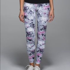 Lululemon moody mirage gray floral wunder leggings Lululemon moody gray pink floral wunder leggings! Gently worn once. Excellent condition. Size 6. Bundle and save! lululemon athletica Pants Leggings
