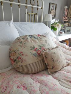 My bed dressed for summer..... #vintage#bedroom#interiors#home