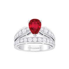 Chaumet http://www.vogue.fr/mode/shopping/diaporama/cadeaux-de-noel-rouge-fatal/10938/image/651526#chaumet