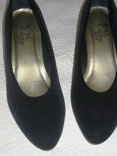 PM COLLECTION BLACK VELVETEEN SHOES!