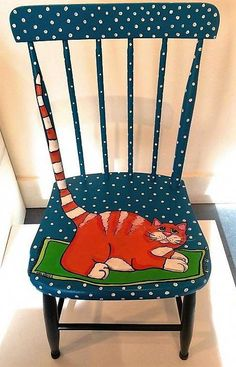 Decoration paintings on chairs, ideas recycling chair decorate chair. - UPCYCLING IDEAS - Decoration paintings on chairs, ideas recycling chair decorate chair. Art Furniture, Funky Furniture, Refurbished Furniture, Repurposed Furniture, Furniture Chairs, Painting Furniture, Chair Painting, Furniture Websites, Furniture Stores