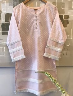 Sleeves Designs For Dresses, Dress Neck Designs, Blouse Designs, Stylish Dress Designs, Stylish Dresses, Dress Casual, Simple Pakistani Dresses, Pakistani Dress Design, Girls Dresses Sewing