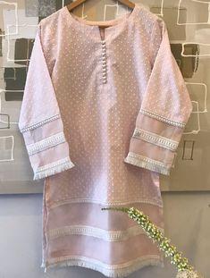 Stylish Dress Designs, Designs For Dresses, Stylish Dresses, Kurti Sleeves Design, Kurta Neck Design, Simple Pakistani Dresses, Pakistani Dress Design, Kurta Designs Women, Blouse Designs