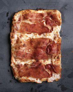 Unique Pizza Works of Art // Prosciutto Mozzarella Pizza Recipe