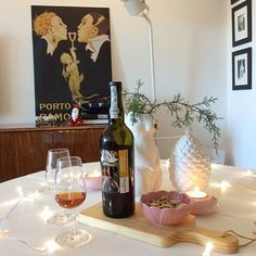 Starting celebrating season... Ceramics (except rabbit), woodboards and Port wine available at #livingplacesandyou #bordallopinheiroceramics #gradirripas #woodboards #RamosPinto #Portwine #porto #portuguesebrands #madeinPortugal #christmas16 #11daystomybirthday💃 #renevincent #anossamorada