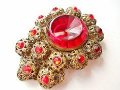 Pince à robe rouge strass victorien grand verre par RenaissanceFair