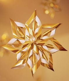 Paper Christmas Craft, Yellow snowflake Paper Christmas Crafts   for 2013 Christmas  #Paper #Christmas #Crafts www.loveitsomuch.com