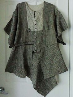 I LIKE THIS! (PCD) Stunning Tuxedo Jacket by Lalia Moon, made of Linen. Lagenlook, Shabby. Peral Linen. Handcrafted in USA. OSFM.