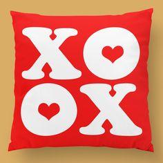 O dia de S. Valentim vem a caminho... 😍 #funnytshirts #tshirts #hoodies #sweatshirt #giftshops #personalizedgifts #personalizadas #porto🇵🇹 #tshirtshop #love #amor #xoxo #almofada #pillow