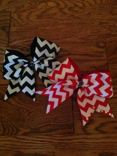 Savvy's Bowtique Follow her on Instagram and Etsy! These bows are only $8!