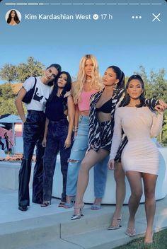 Kris Jenner, Kendall Jenner, Bruce Jenner, Kendall And Kylie, Kendall Y Kylie Jenner, Khloe Kardashian, Familia Jenner, Kanye West, Versace
