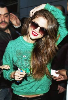 #Selena #Hair#Brown#Sexy#Hipster#red#lips#beauty ♥