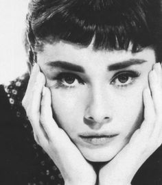I love this black and white photo of Audrey Hepburn because she is such a legend. I think that all black and white photos of Audrey are classic and classy. The composition in all of them are always really good and I think always make the photo. Audrey Hepburn Born, Audrey Hepburn Photos, Black And White Portraits, Black And White Photography, Photography Women, Portrait Photography, Fashion Photography, Sabrina 1954, I Love Cinema