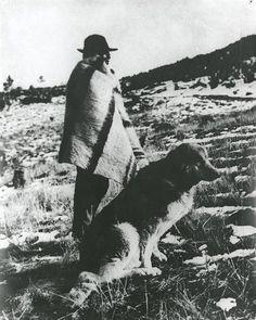 Pastor com cão. Portugal.