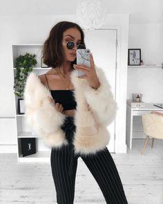 https://instagram.com/p/BeLorvqnLx5/   @lissyroddyy unglasses, Must have, Curt Kobain sunglasses, trendy , fashion, Oval sunglasses, oval sunnies, summer fashion, summer 2018, white sunglasses, black sunglasses, round , cat eye Fur Coat, Shopping, Fur Collar Coat