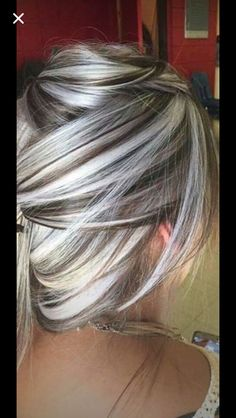 40 Absolutely Stunning Silver Gray Hair Color Ideas, These 40 absolutely stunni. - - 40 Absolutely Stunning Silver Gray Hair Color Ideas, These 40 absolutely stunning silver gray hair color ideas should not be considered as granny hair. Hair Color And Cut, Cool Hair Color, Gray Hair Highlights, Highlights 2016, Carmel Highlights, Low Lights And Highlights, Platinum Blonde Highlights, Blonde With Low Lights, Funky Highlights