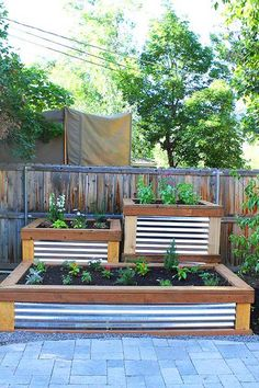 Raised Herb Garden via Canavello Mrasek Canavello Mrasek (Two Peas and Their Pod) -- how gorgeous is this? Raised Herb Garden via Canavello Mrasek Canavello Mrasek (Two Peas and Their Pod) -- how gorgeous is this? Backyard Garden Design, Diy Garden, Garden Boxes, Garden Planters, Garden Projects, Backyard Landscaping, Fall Planters, Herbs Garden, Flower Planters