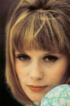 Francoise Dorleac  died very young in a car crash. Catherine Deneuve's sister.