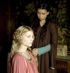 The Hollow Crown - Richard II part - queen Isabella and maid