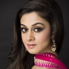 Aishwarya Arjun (Indian, Film Actress) was born on 10-02-1990.  Get more info like birth place, age, birth sign, biography, family, relation & latest news etc.