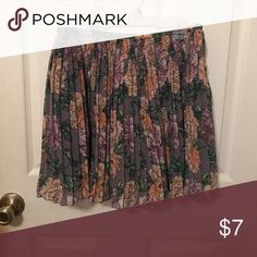 Floral skirt Size small. Excellent condition Nordstrom Skirts Circle & Skater
