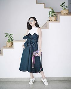 Olivia Lazuardy with our SS  17 Tapestry Snapshot Marc Jacobs 0665279497430