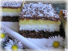 Danulkine lahodné kokosové kocky Eastern European Recipes, Sweet Cakes, Graham Crackers, Tiramisu, Food And Drink, Cooking Recipes, Cookies, My Favorite Things, 3