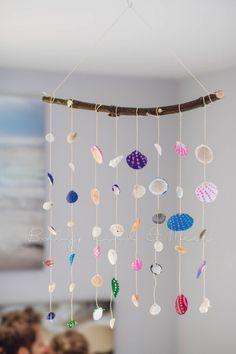 Diy Wind Chimes, Seashell Wind Chimes, Diy Bird Feeder, Chakra Crystals, Salon Design, Living Room Art, Plexus Products, Diy For Kids, Shells