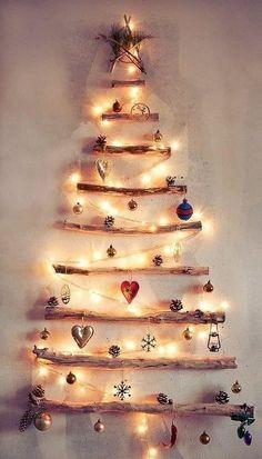 Easy Natural Christmas Apartment Decorating Ideas 13 home Driftwood Christmas Tree, Wall Christmas Tree, Beautiful Christmas Trees, Natural Christmas, Simple Christmas, Christmas Tree Decorations, Christmas Lights, Xmas, Holiday Lights