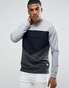 Get this Jack & Jones's hooded sweatshirt now! Click for more details. Worldwide shipping. Jack & Jones Cut and Sew Crew Neck Sweat - Grey: Sweatshirt by Jack Jones, Soft-touch sweat, Crew neck, Cut and sew panels, Branded patch detail, Regular fit - true to size, Machine wash, 100% Cotton, Our model wears a size Medium and is 5'10�/178 cm tall. Founded in 1989, Jack & Jones is a Danish brand that offers cool, relaxed designs that express a strong visual style through their diffusion…