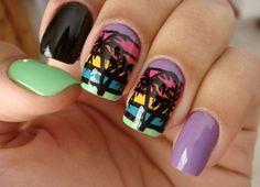 Разноцветный маникюр с пальмами