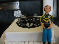 Shane Peterson's 40th birthday cake. Check out the little figure in the Vodafone Warriors Wellington jersey #Wellington #Warriors #Cake