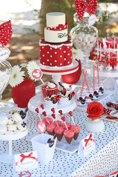 Minnie Mouse Red Themed Party Ideas and Inspo
